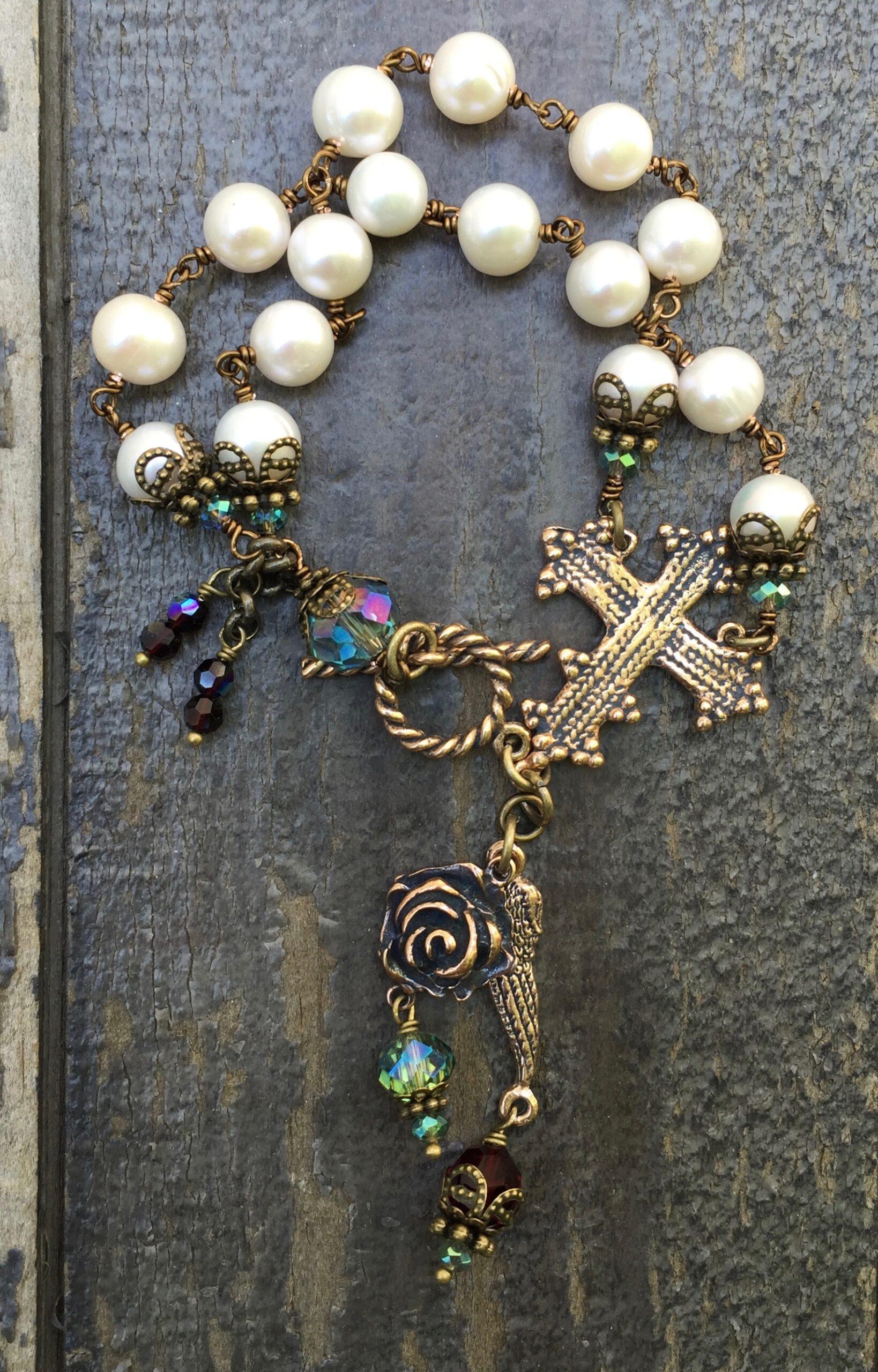 Cream Pearl with Aqua and Garnet Crystal Bracelet – 8mm