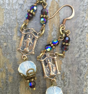 EARRINGS OF DIVINE MIRACLES